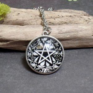 Floral Pentacle Necklace - Wiccan - Pagan - Witch